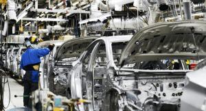 Read more about the article La industria automotriz en Estados Unidos vuelve a la vida después del cierre.