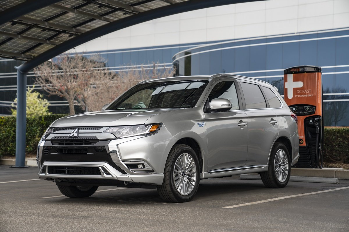 2019 Mitsubishi Outlander PHEV recognized as 'Best In Class Green Vehicle Hybrid or PHEV' by the New England Motor Press Association.