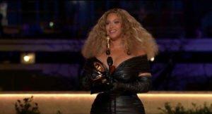 Read more about the article Beyoncé se convierte en la artista con más premios Grammy de la historia