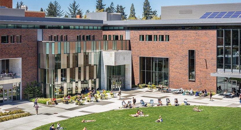 Requerirán las vacunas de covid-19 para regresar a la Universidad de Oregon.