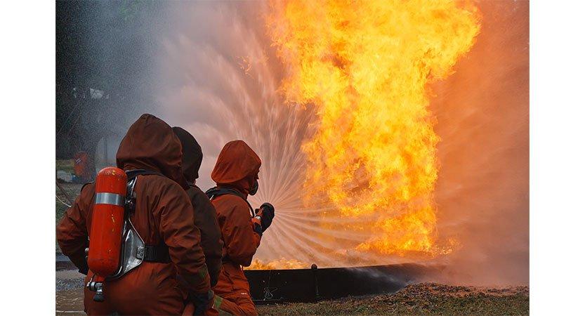 You are currently viewing bomberos en oregon continúan luchando contra los incendios