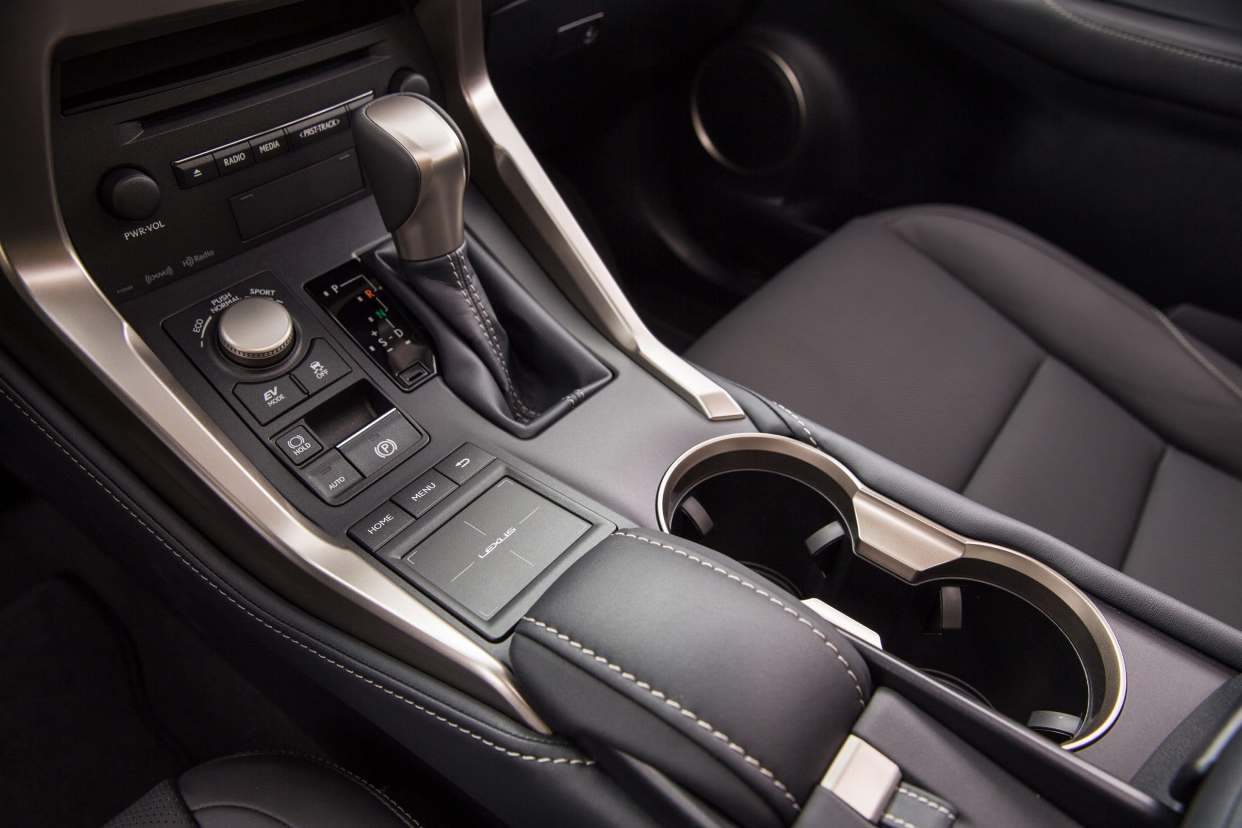 2021_Lexus_NX_300h_016-scaled